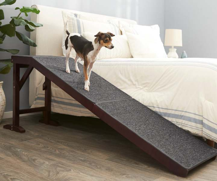 Frisco Deluxe Wooden Carpeted Indoor Dog Ramp For Bed and Sofa